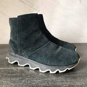 Sorel Kinetic Short Black Suede Winter Boots